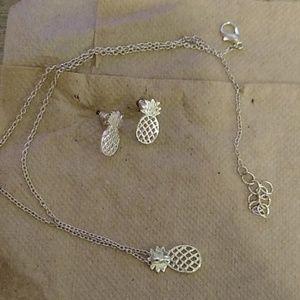 Jewelry - Pineapple earring set
